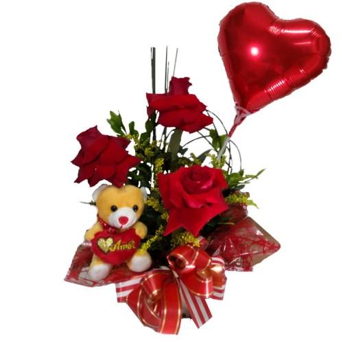 Arranjo três Rosas + Balão+ Pelúcia pequena