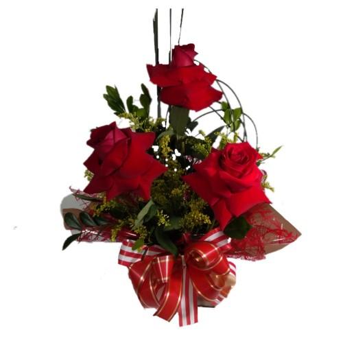 Arranjo com três Rosas Importadas