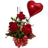 Arranjo com três Rosas Importadas + Ferrero com 3 unidades+ Balão
