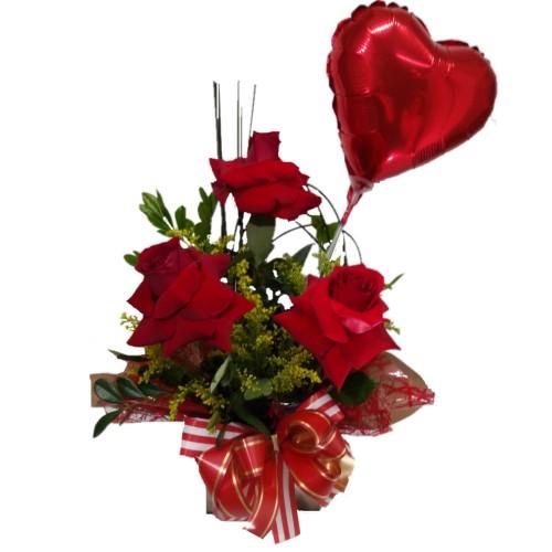 Arranjo com três Rosas Importadas + Balão