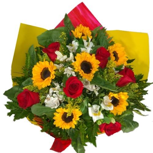 Buquê 6 rosas importadas com 6 Girassóis e Astromélias