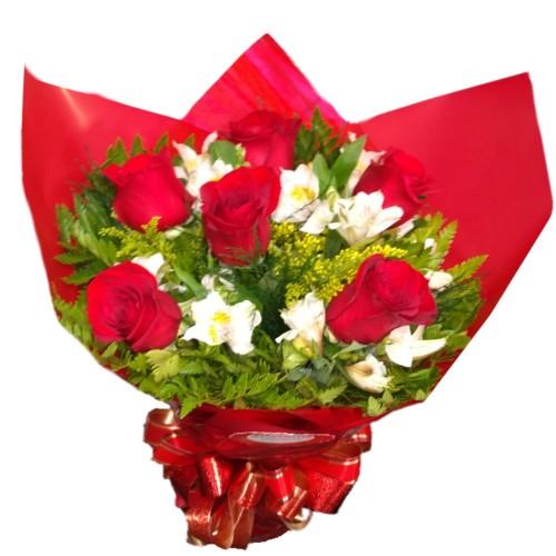 Buquê 6 rosas importadas com Astromélias