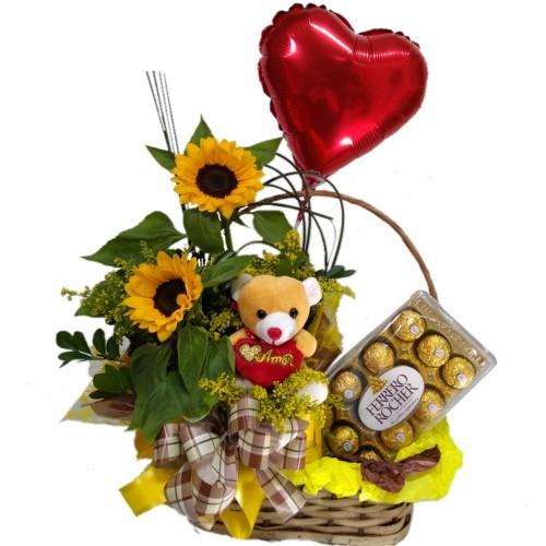 Cesta com arranjo de Girassol + Balão de Coração Metalizado+ Ursinho pequeno+Ferrrero Rocher com 12 unidades