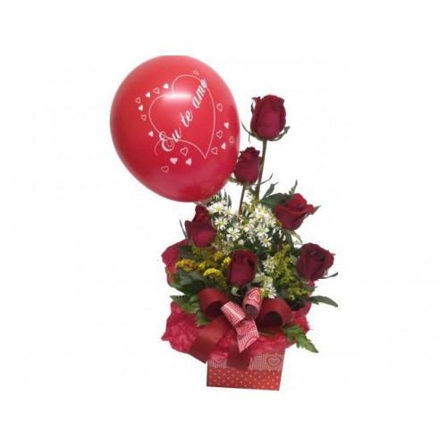 Arranjo LOVE com Rosas Importadas