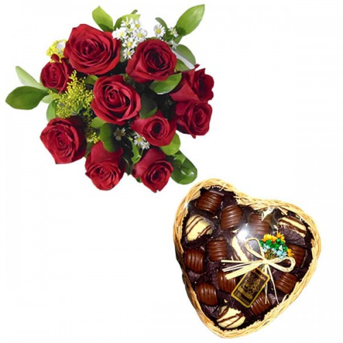 Combo Buque de 10 rosas + Bandeja de Vime Coração com Chocolate